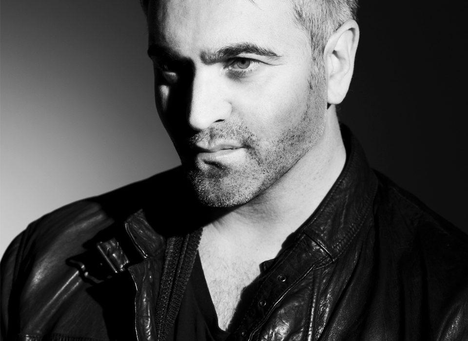 Portrait en noir et blanc de Martyn Lawrence Bullard