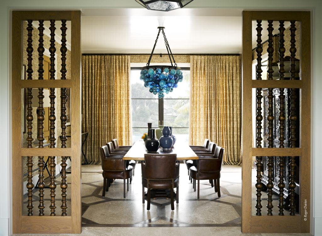 La salle à manger de la résidence Sperber à Point Dume Malibu