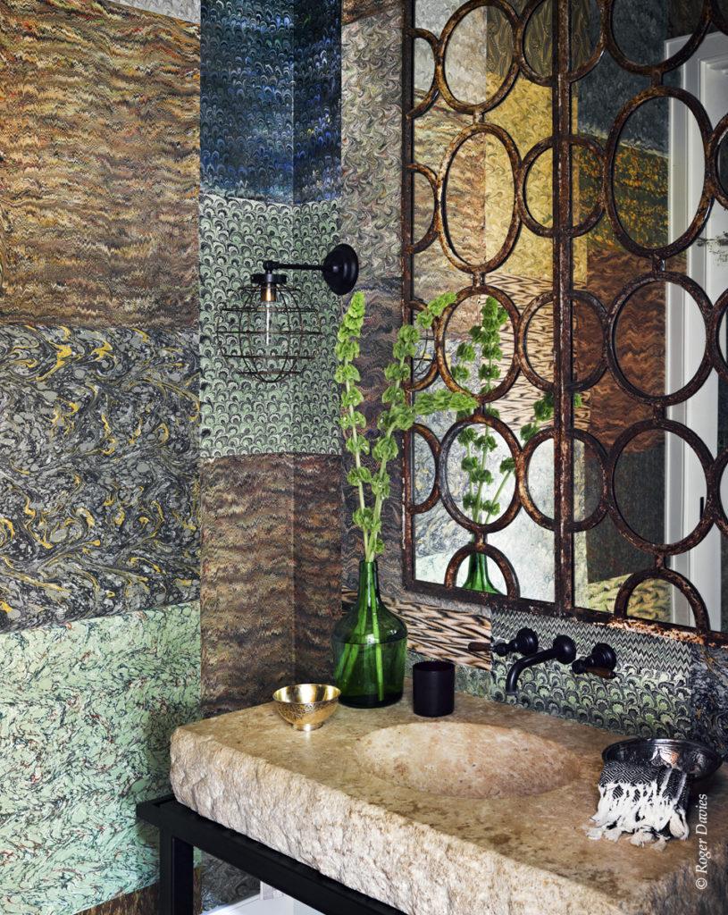 Une des salles de bain de la résidence Sperber à Point Dume Malibu