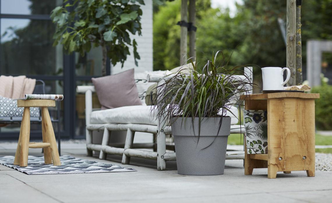 Maison & Jardin magazine pots de fleurs vibia straight round gris