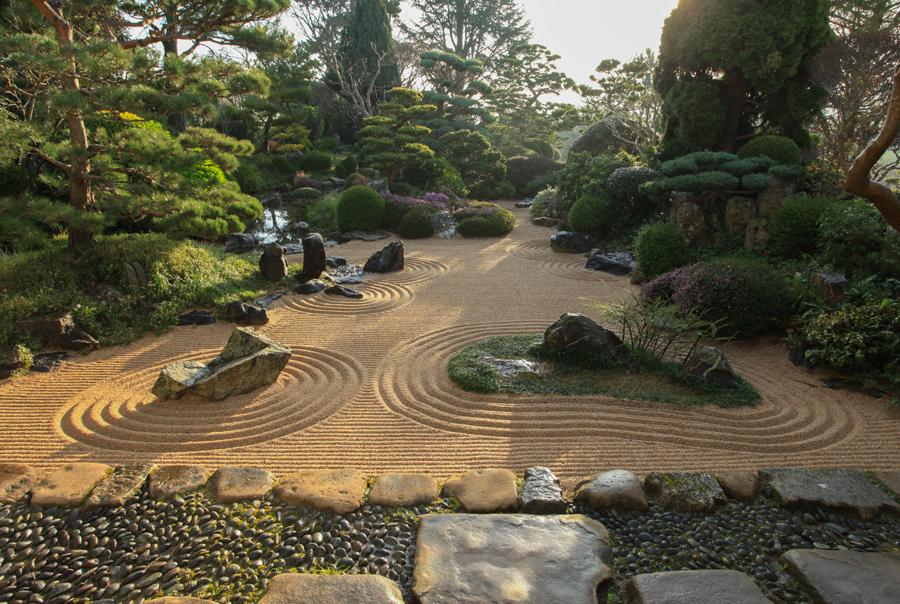Maison & Jardin magazine, visite le jardin zen d'Erik Borja