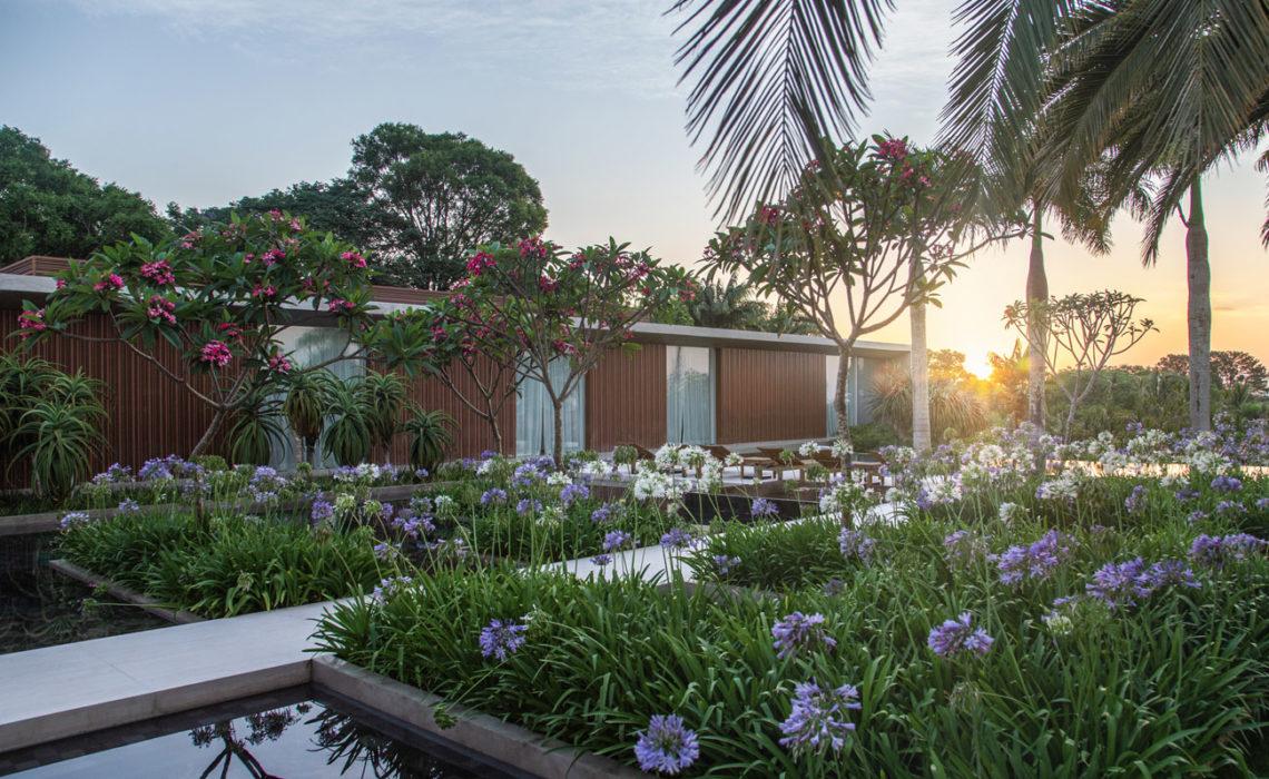 La maison entourée du jardin CGD à Sao Paulo