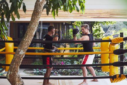 Des cours de boxe thaï à l'hôtel Anantara Golden Triangle Elephant Camp & Resort
