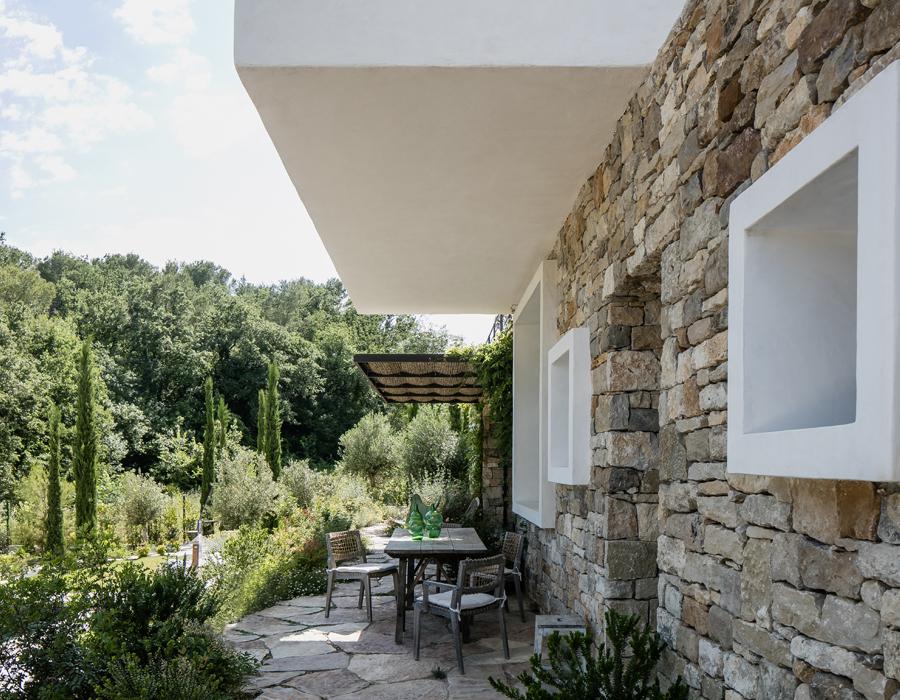 le jardin de la villa contemporaine Casa Vara