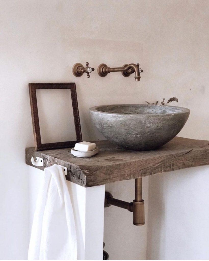 Un lave-main au look rustique