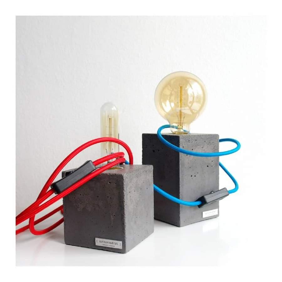 Luminaires design avec un pied en béton