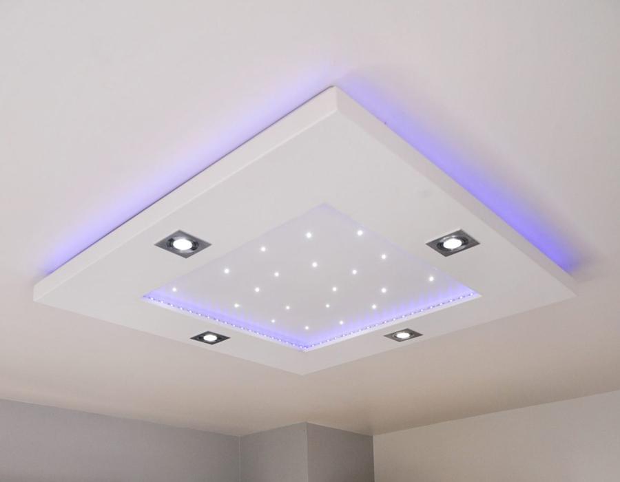 Le plafonnier LED Luminnove en mauve