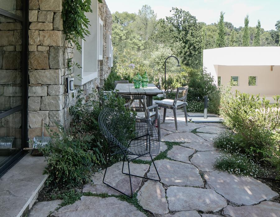 une terrasse de la villa contemporaine Casa Vara