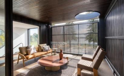 Une maison familiale et avant-gardiste par State Of Kin