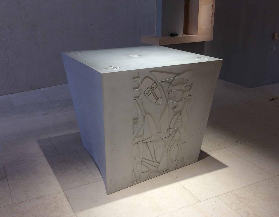 pièce unique de béton pour église